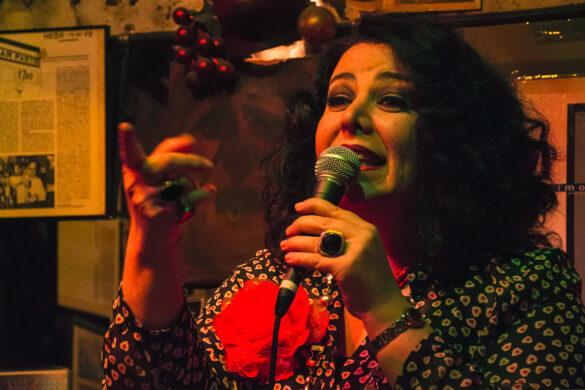 Lucila Laske junto a Pepe Camacho (guitarra). Tangos en el Pastís  03 de Febrero 2015 - Bcn Foto:Agné Bertasuité